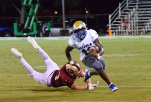 Osceola RB Malcolm Davidson during a big run versus Lake Gibson